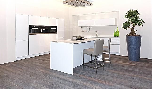 sch ller musterk che luxusk che mit hervorragendem dampfgarer beeindruckendem einbau. Black Bedroom Furniture Sets. Home Design Ideas