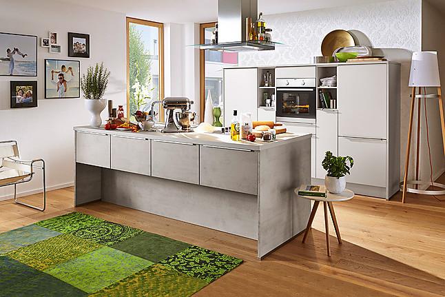 k chentreff musterk che moderne inselk che mit aeg ger ten ausstellungsk che in von. Black Bedroom Furniture Sets. Home Design Ideas
