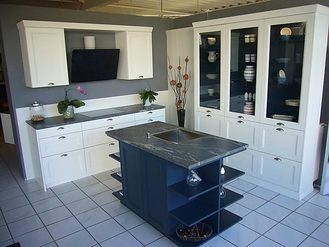 Rational   Casa Moderne Landhausküche Mit Insellösung In Blau/weiss