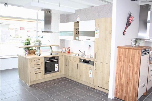 nobilia musterk che sch ne k che mit kochinsel ausstellungsk che in kaiserslautern von reddy. Black Bedroom Furniture Sets. Home Design Ideas