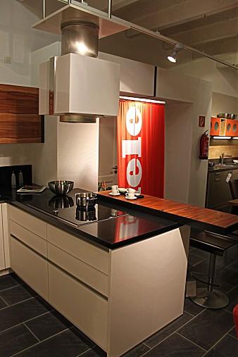 sonstige musterk che abverkauf in b umenheim ausstellungsk che in asbach b umenheim von. Black Bedroom Furniture Sets. Home Design Ideas