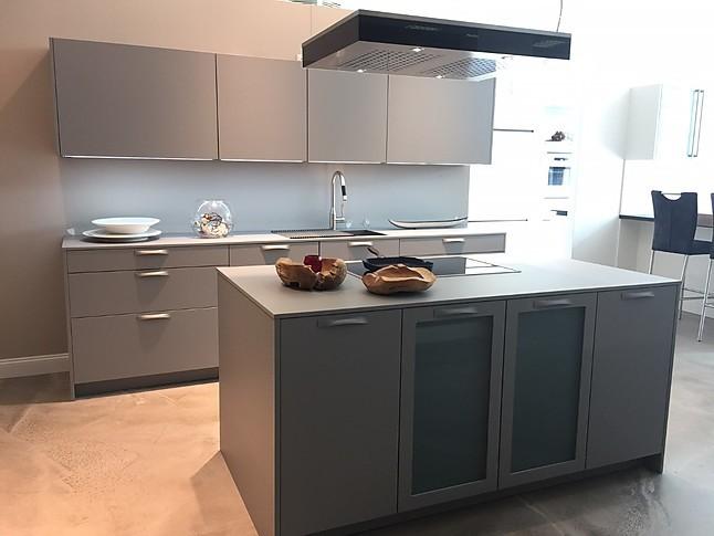 rotpunkt musterk che k che ton in ton ausstellungsk che in von. Black Bedroom Furniture Sets. Home Design Ideas