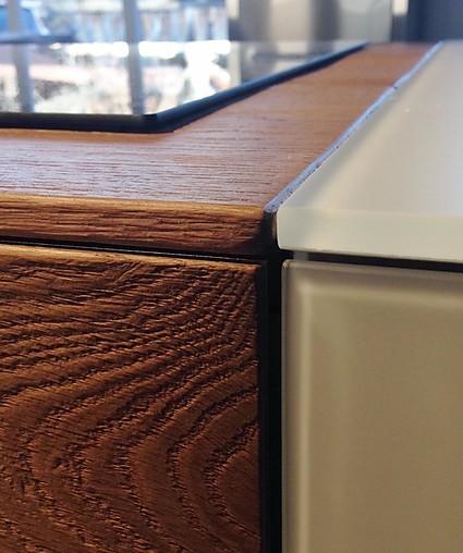 sonstige musterk che lago k cheninsel mit glasfronten und eiche wildwood ausstellungsk che in. Black Bedroom Furniture Sets. Home Design Ideas