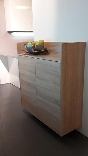 sch ller musterk che moderne holzk che mit fr hlichen. Black Bedroom Furniture Sets. Home Design Ideas
