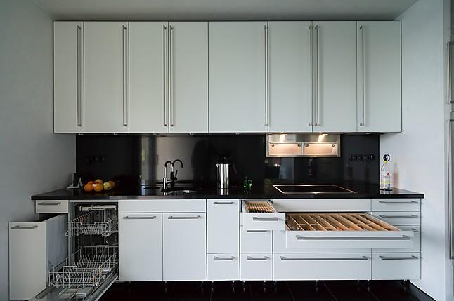 bulthaup musterk che bulthaup system 25 ausstellungsk che in darmstadt von k chen atelier. Black Bedroom Furniture Sets. Home Design Ideas