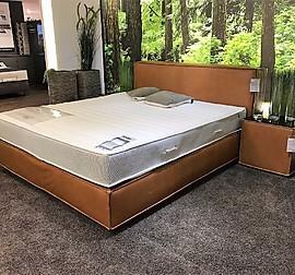 leicht musterk che 2 zeilen k che z t h ngend modern holz lack kombination ausstellungsk che. Black Bedroom Furniture Sets. Home Design Ideas