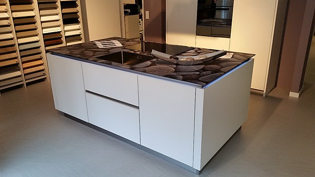 Störmer Küche störmer küchen musterküche designerstück mit glasarbeitsplatte