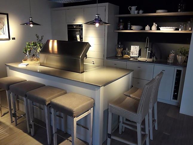 sonstige musterk che exclusive neptune abverkaufsk che ausstellungsk che in erfurt von k2. Black Bedroom Furniture Sets. Home Design Ideas