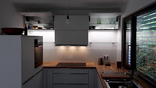 Schmidt Küchen-Musterküche kleine feine Küche mit allen Extras ...