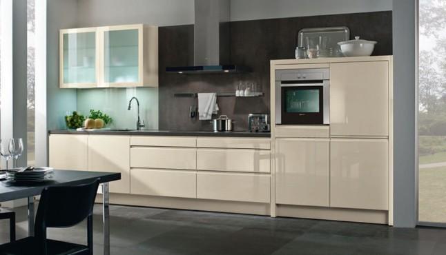 h cker musterk che h cker hochglanz lackiert mit intergrierter griffleiste ausstellungsk che in. Black Bedroom Furniture Sets. Home Design Ideas