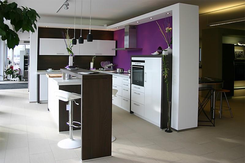 beckermann musterk che moderne k che hochglanz wei ausstellungsk che in f rstenfeldbruck von. Black Bedroom Furniture Sets. Home Design Ideas