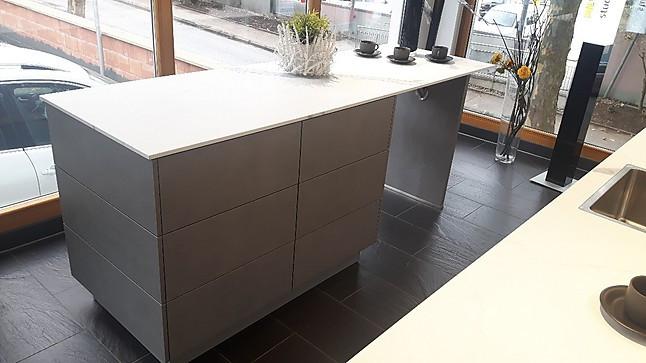 systhema musterk che beton dunkelgrau nb und pinie gekalkt nb ausstellungsk che in marbach. Black Bedroom Furniture Sets. Home Design Ideas