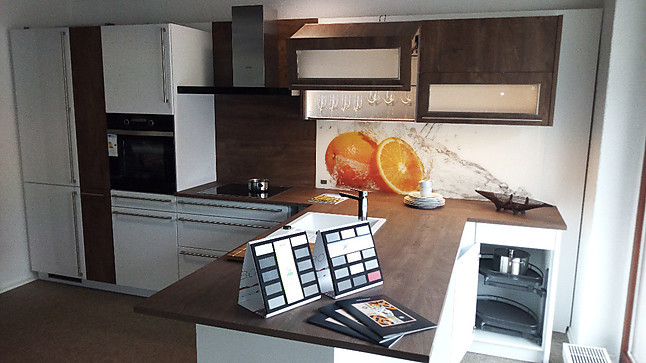 Bauformat Musterküche Abverkaufsküche Rhodos In Lack Arktis Weiß