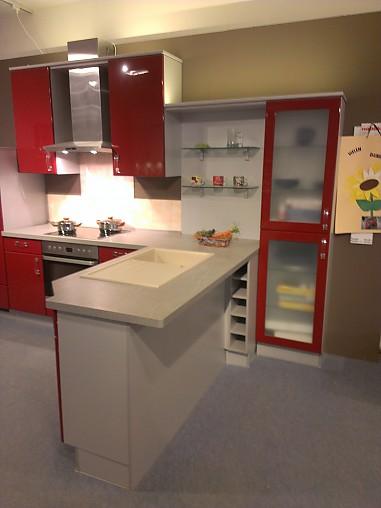 Nobilia Musterkuche Moderne Rote Hochglanzkuche Ausstellungskuche