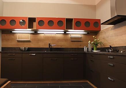 Dunkle Designküche