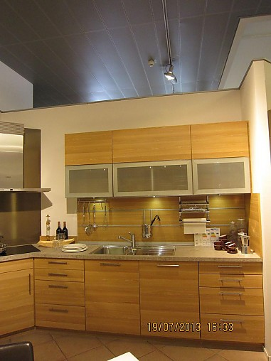 schmidt k chen musterk che l k che brillant toffee gl nzend kunststoff ausstellungsk che in. Black Bedroom Furniture Sets. Home Design Ideas