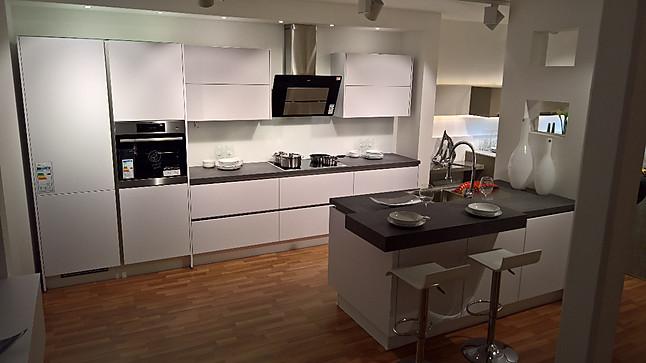 nobilia musterk che laser line n ausstellungsk che in bad schwartau von k chentreff sch ppich. Black Bedroom Furniture Sets. Home Design Ideas