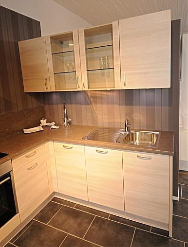 burger musterk che l k che mit hellem holzdekor und. Black Bedroom Furniture Sets. Home Design Ideas