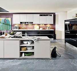 k chentreff musterk che grifflose moderne k che ausstellungsk che in berlin von k chentreff. Black Bedroom Furniture Sets. Home Design Ideas