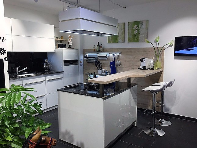 laminat wei hochglanz excellent laminat wei hochglanz. Black Bedroom Furniture Sets. Home Design Ideas