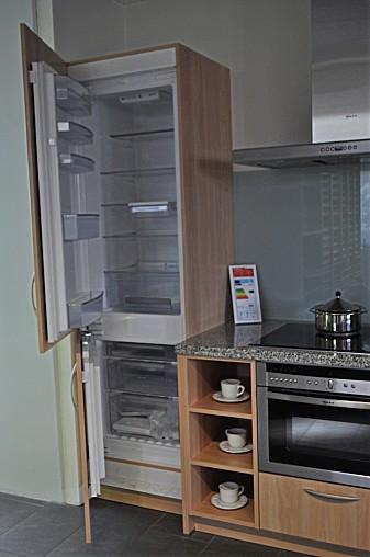 systhema musterk che moderne einbauk che zum sonderpreis ohne granitarbeitsplatte ohne. Black Bedroom Furniture Sets. Home Design Ideas