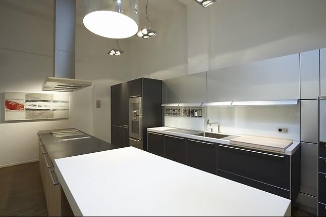 bulthaup musterk che eiche massiv vertikal laminat graphit ausstellungsk che in wiesbaden von. Black Bedroom Furniture Sets. Home Design Ideas