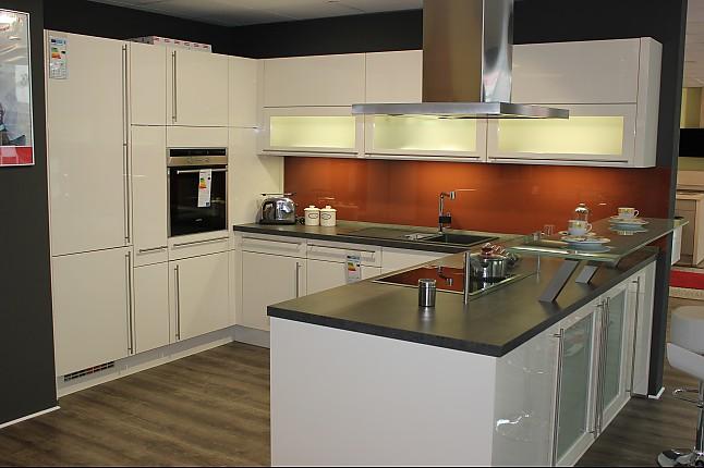 nobilia musterk che moderne hochglanzk che in u form und. Black Bedroom Furniture Sets. Home Design Ideas
