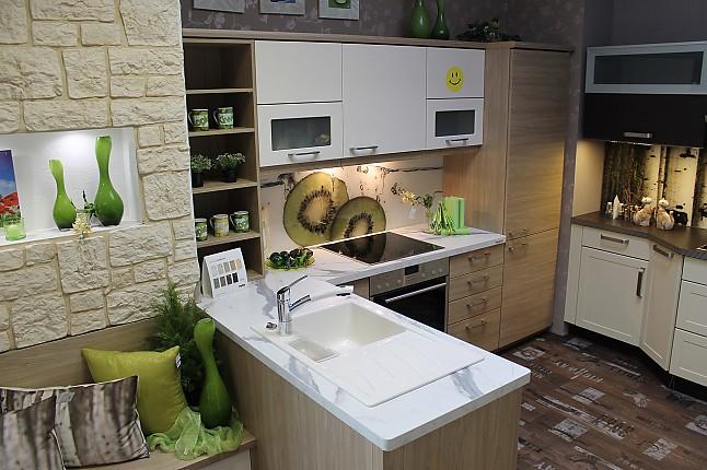nolte musterk che gem tliche einbauk che mit kleiner sitzbank ausstellungsk che in pirna. Black Bedroom Furniture Sets. Home Design Ideas