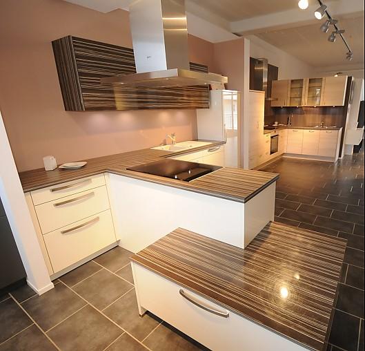 Bauformat-Musterküche Moderne Küche Mit Bosch Und Neff