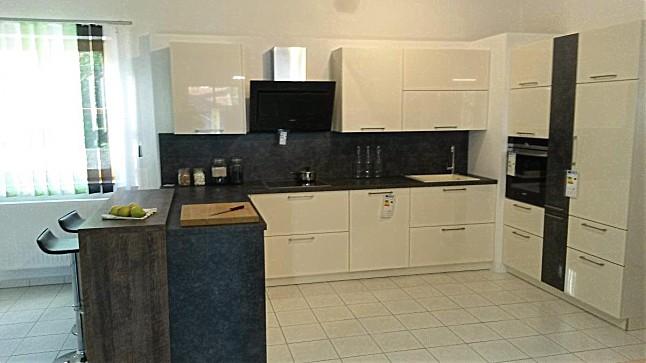 h cker musterk che moderne k che in magnolie hochglanz lacklaminat komplett mit siemens ger ten. Black Bedroom Furniture Sets. Home Design Ideas