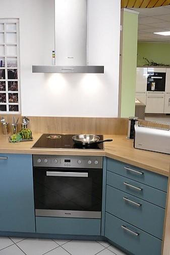 sch ller musterk che moderne k che mit interessanter farbkombination und miele elektroger ten. Black Bedroom Furniture Sets. Home Design Ideas