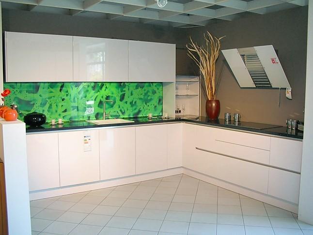 Häcker   AV 4030 GL Polarweiß Hochglanz Lack Moderne Designküche Mit  Lackfronten Hochglanz Weiß