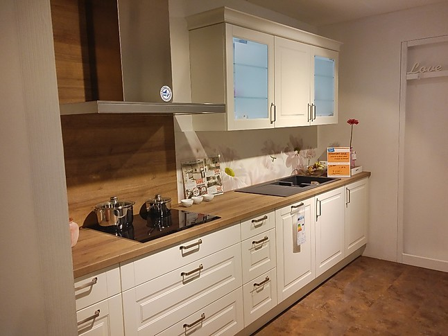 nobilia musterk che elegantes landhaus k che. Black Bedroom Furniture Sets. Home Design Ideas