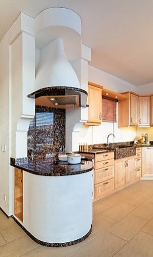 kornm ller musterk che exklusive k che im landhaus stil. Black Bedroom Furniture Sets. Home Design Ideas