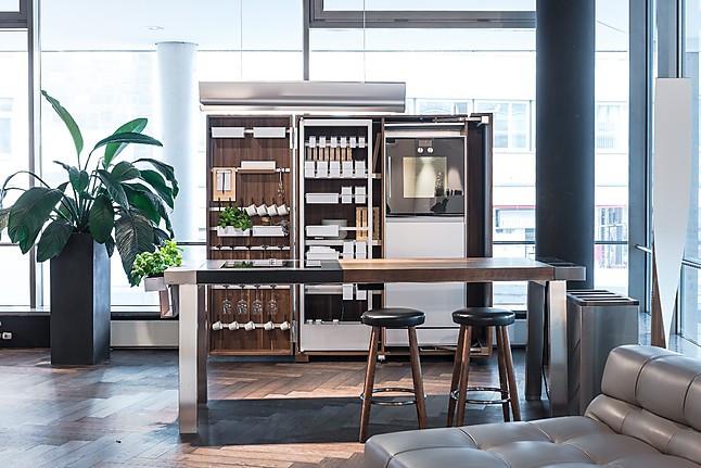 bulthaup musterk che werkstattk che in nussbaum. Black Bedroom Furniture Sets. Home Design Ideas