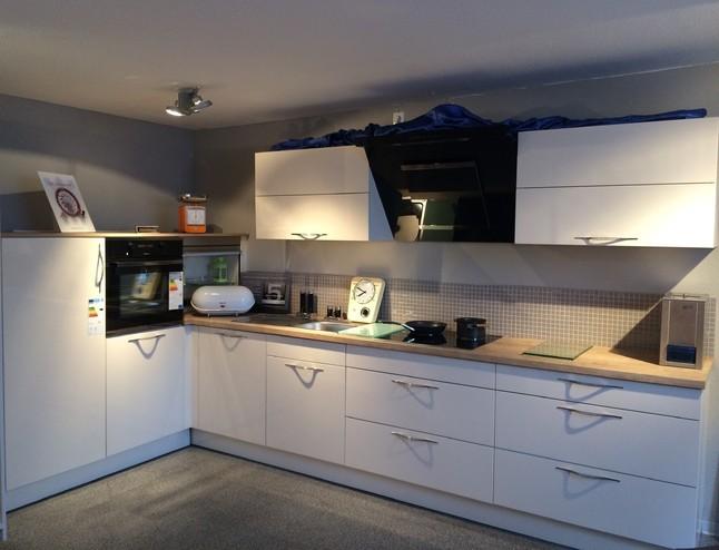 Moderne Einbauküche häcker musterküche moderne einbauküche ausstellungsküche in emden