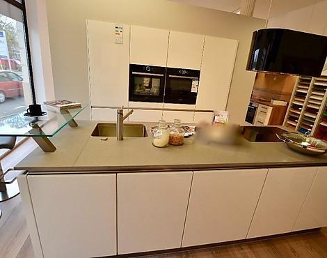 Grifflose Küche In Lack Weiß Hochglanz , Kochinsel Mit Steinplatte   Küche  Grifflos Mit Hochwertigen Bosch