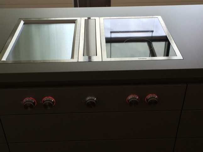 kochfeld gaggenau vp 414 vi414 vl414 ar 403120 gaggenau muldenl ftung mit tepankochfeld und. Black Bedroom Furniture Sets. Home Design Ideas
