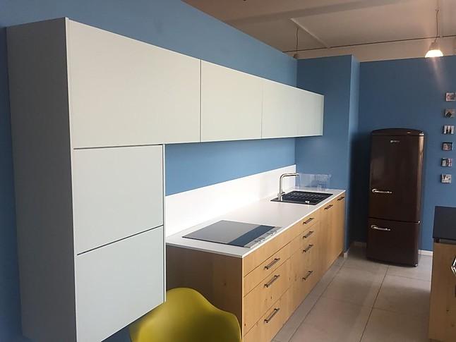sch ller musterk che hochwertiger moderner landhaus ausstellungsk che in leipzig von k chen konzept. Black Bedroom Furniture Sets. Home Design Ideas