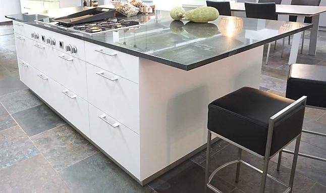 bulthaup musterk che bulthaup b3 laminat alpinwei kochinsel ausstellungsk che in kassel von. Black Bedroom Furniture Sets. Home Design Ideas