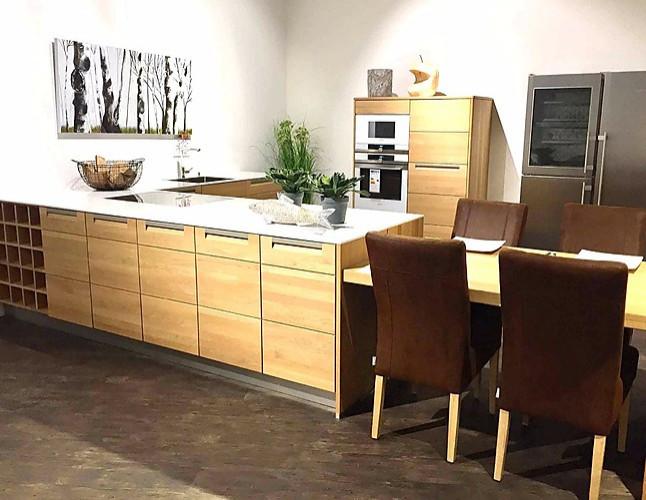 Sonstige Musterküche Moderne L Küche aus Massivholz Ausstellungsküche in Geestland von Kemner ...