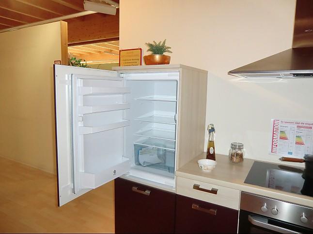 nobilia musterk che moderne l k che ausstellungsk che in von. Black Bedroom Furniture Sets. Home Design Ideas