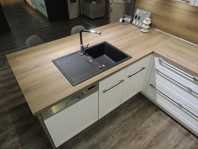 nobilia musterk che nl 19 wundersch ne l k che im klassischen stil ausstellungsk che in lingen. Black Bedroom Furniture Sets. Home Design Ideas