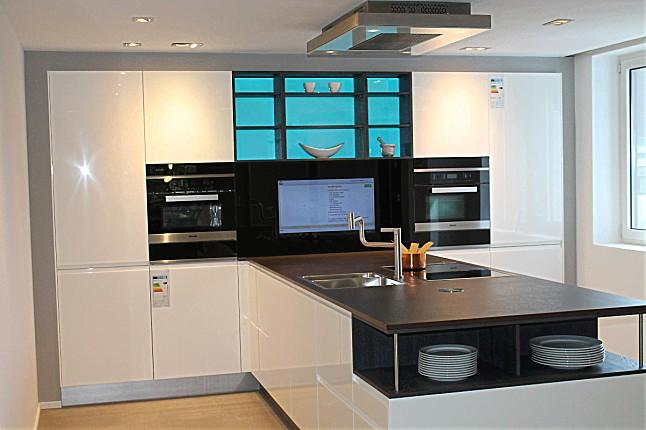 hausmarke musterk che selektion k35 800 wei hochglanz nochmals reduziert ausstellungsk che. Black Bedroom Furniture Sets. Home Design Ideas