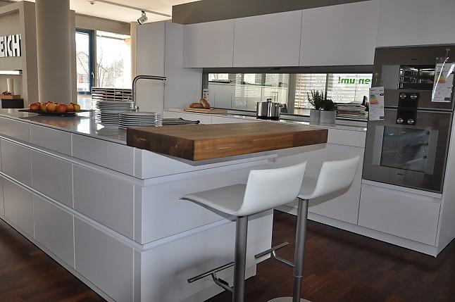 leicht musterk che leicht matt arctis lackiert ausstellungsk che in b blingen von rk. Black Bedroom Furniture Sets. Home Design Ideas