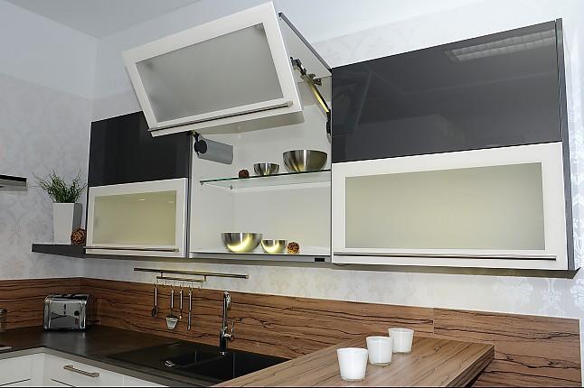 h cker musterk che moderne design k che in mattlack ausstellungsk che in duisburg von. Black Bedroom Furniture Sets. Home Design Ideas