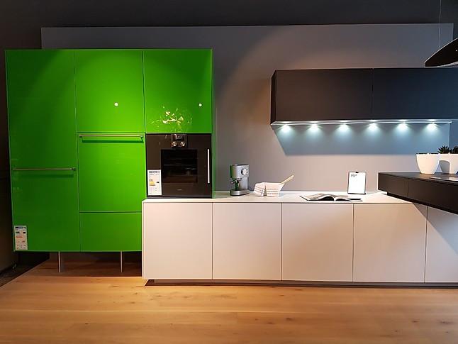 Designerküchen münchen  Valcucine-Musterküche Offene, moderne Designerküche ...