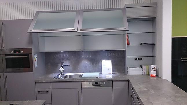 Nobilia-Musterküche NOBILIA Primo Hochglanz Küche / E-Geräte BOSCH ... | {Küchen hängeschrank glas nobilia 2}