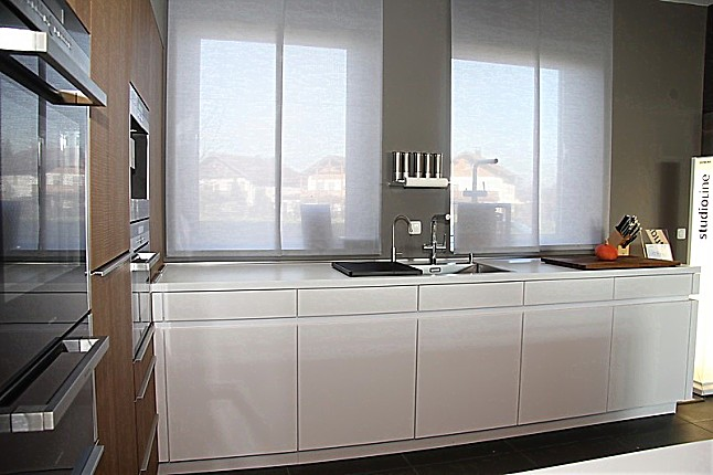 leicht musterk che designer k che von leicht schlicht edel und geradlinig vollfl chenkochfeld. Black Bedroom Furniture Sets. Home Design Ideas