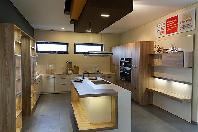 leicht musterk che moderne leicht premiumk che mit au ergew hlicher ausstattung. Black Bedroom Furniture Sets. Home Design Ideas